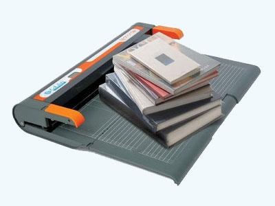 Maschine für passgenaue Buchumschlägge